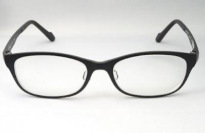 「Zoff」で販売されている「Zoff Smart」というメガネ