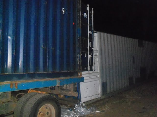 2nd Container Offloading - jan9%2B170.JPG