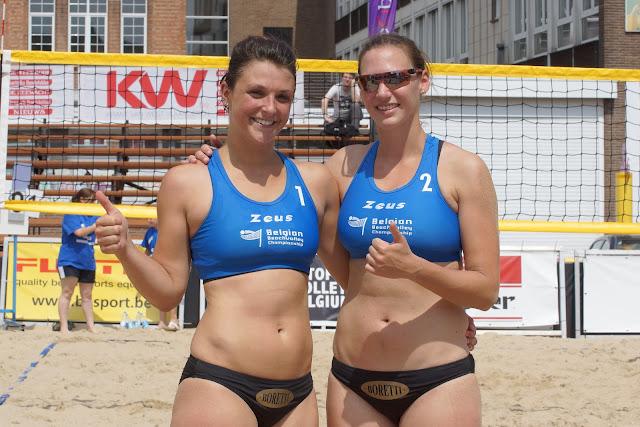 Elien Van Asch en Laura Declerck winnen hun wedstrijd