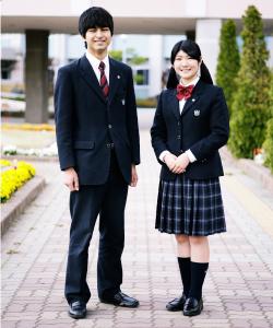 花咲徳栄高等学校の女子の制服2