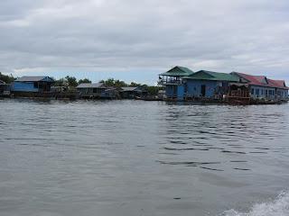 0028Tonle_Sap_Lake_Floating_Village