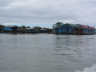0028Tonle_Sap_Lake_Floating_Village