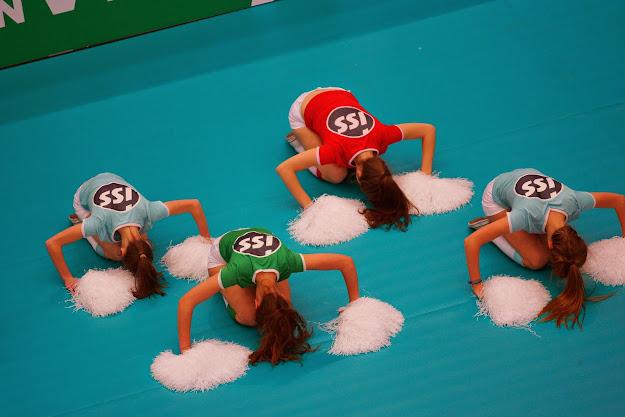 cheerleaders knack: Lisa Depla, Silja Defrancq, Elien Verbrugge en Fran Vandevoorde