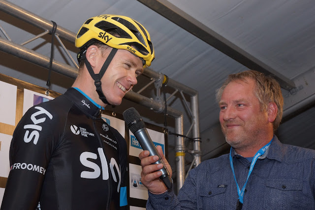imitatie van Peter Sagan door Jeroen Sap bij Chris Froome: hey Froomie how are you