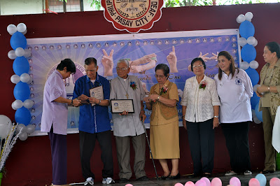 Deaf Awardees recognizing their contribution as one of the pioneer members PRID Board