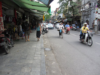 0015The_Streets_of_Hanoi