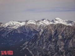 Desde la cima, hacia el macizo de Cotiella ©aunpasodelacima