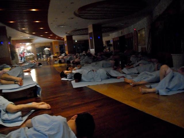 Resultado de imagen de jil 찜질방 sleeping