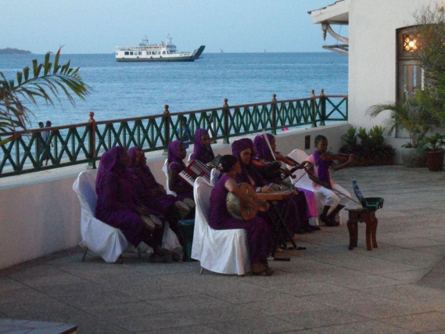 Zanzibar Serena Inn'de geleneksel müzik