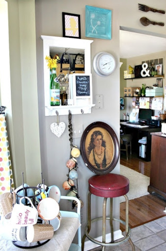 vintage-bar-stool-and-artwork-5