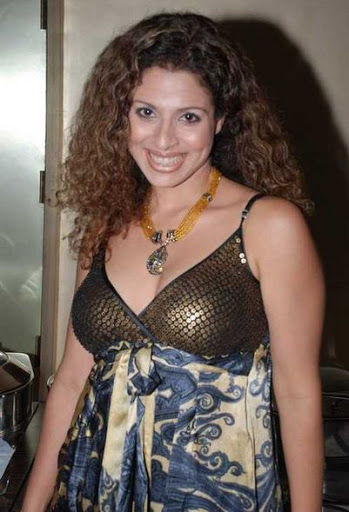 Tanaaz Irani Weight