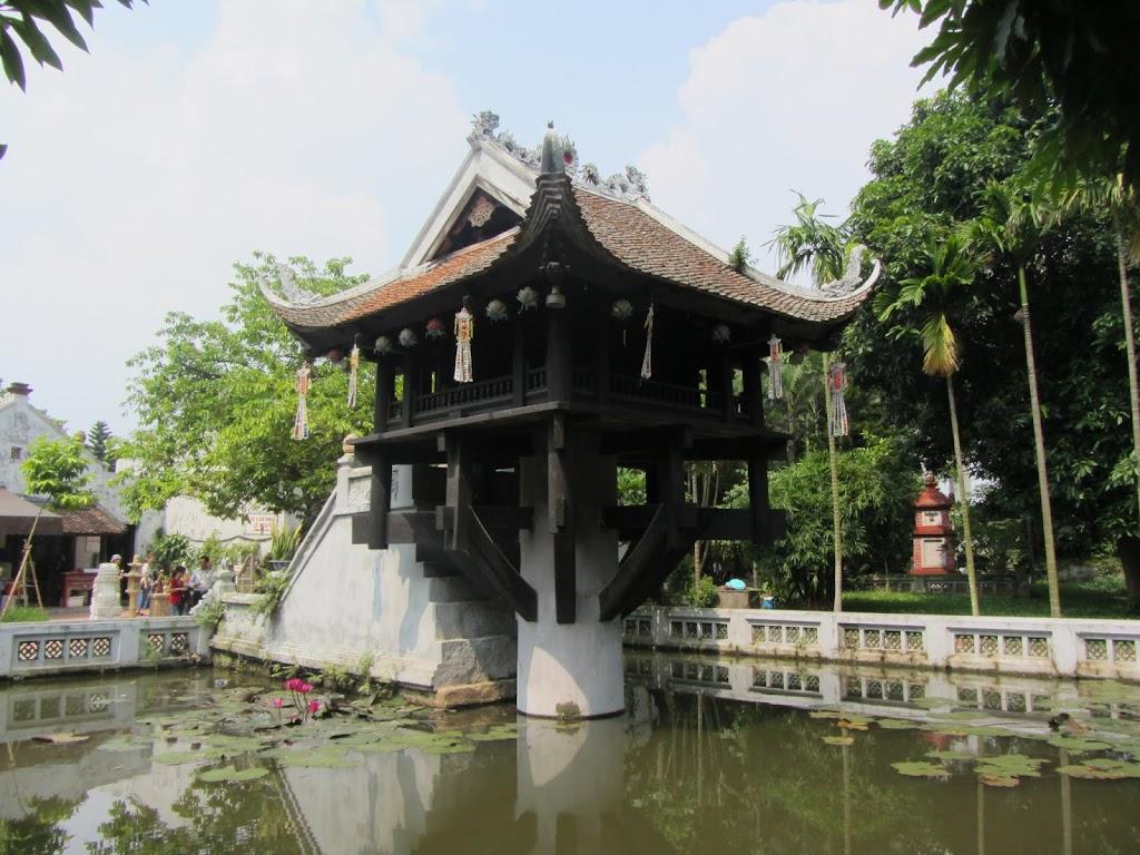 0450The_One_Pillar_Pagoda