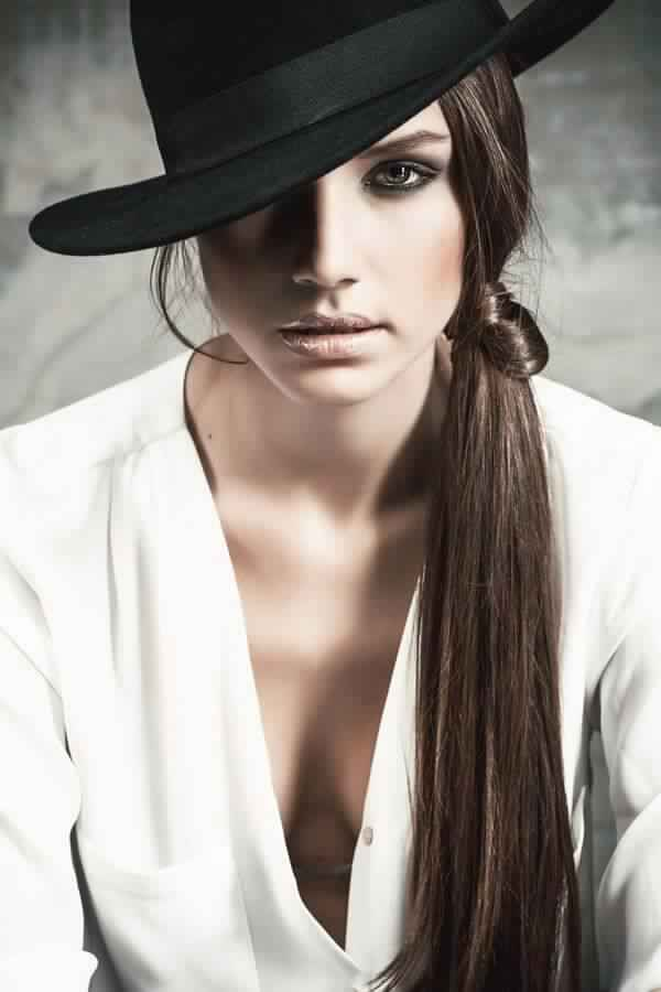Chic Side Ponytail Hairstyle for Long Hair