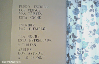 Decorar una pared con un poema