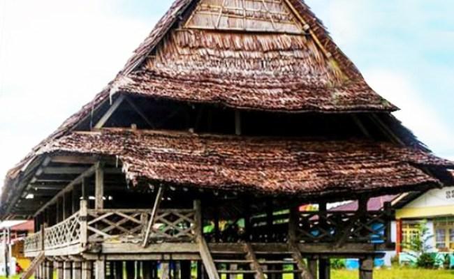 Rumah Adat Baileo Asal Provinsi Keunikan