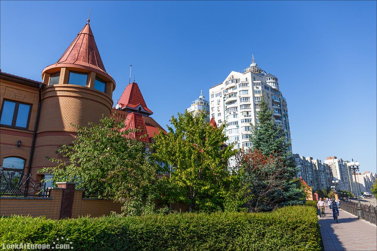Набережная Оболрнь в Киеве | LookAtIsrael.com - Фото путешествия по Израилю