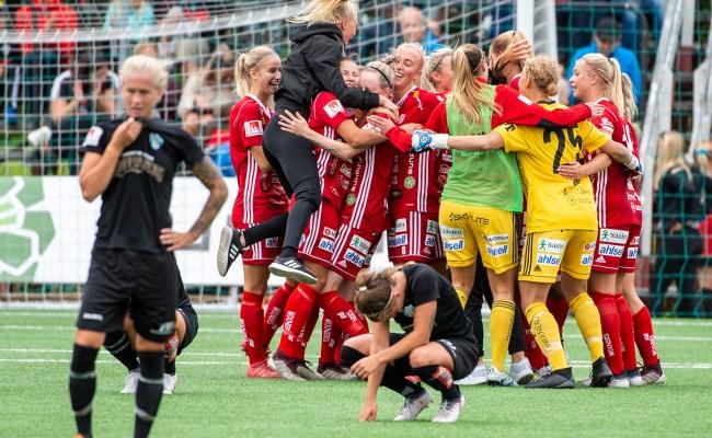 Ola Norén Piteå If Mot Kopparbergs Göteborg Fc I Damallsvenskan
