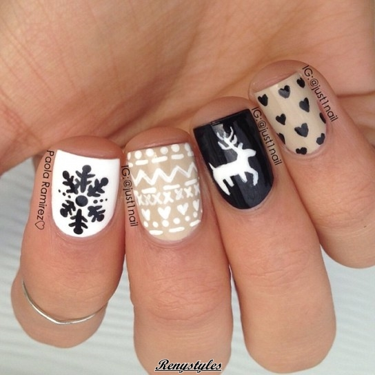Fabulous reindeer nail art designs ideas reny styles this nail art is largely galvanized by a try of rangifer tarandus leggings it conjointly resembles to most of alike sweaters that you wear and these are prinsesfo Choice Image