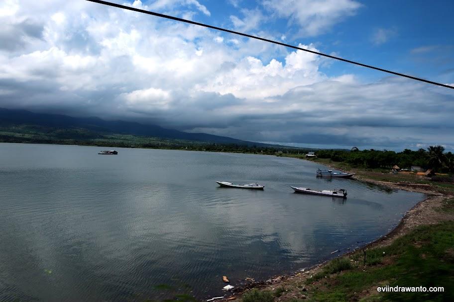 View dalam perjalanan ke Pelabuhan Kayangan Lombok