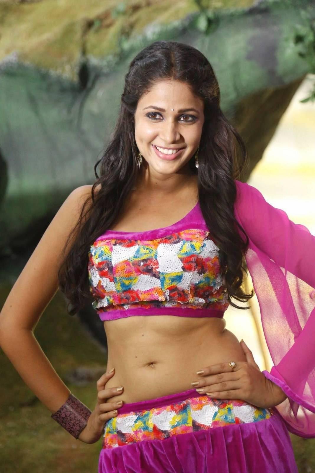 actress beauty stills: sexy naval showing glamour actress ziya hot