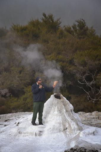 Wai o tapu el mejor parque geotermal de nueva zelanda for Cuanto cuesta construir una piscina en chile