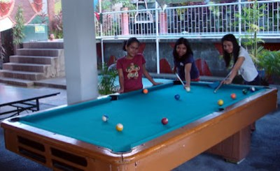 Billiard Girls Jepa, Ivy and Irene