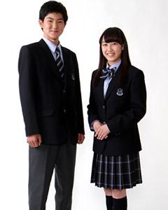 霞ヶ浦高等学校の女子の制服2