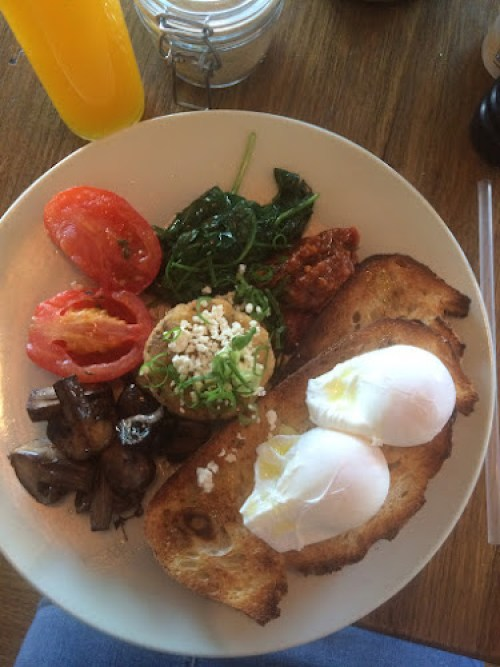 Breakfast at sisters of soul st Kilda - eggs and vegetables