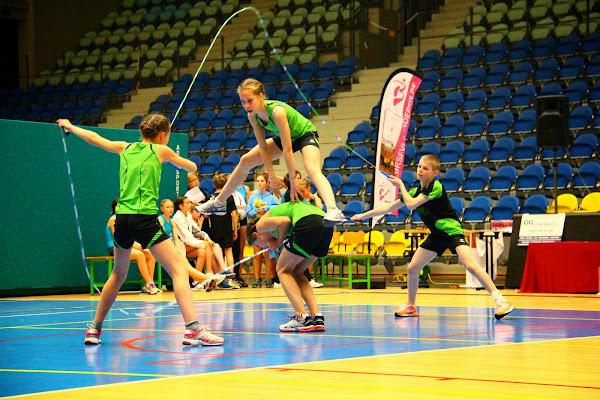 acrobaten met touwtjes, jumpfun Roeselare op BK rope-skipping in Roeselare