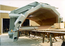 In comparison to pressurized water cooled hoods, a Spray-Cooled BOF hood is lighter in weight and reduces structural support requirements.