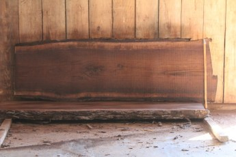 "519 Walnut -6 8/4  x  31"" x  25"" Wide x 8' Long"