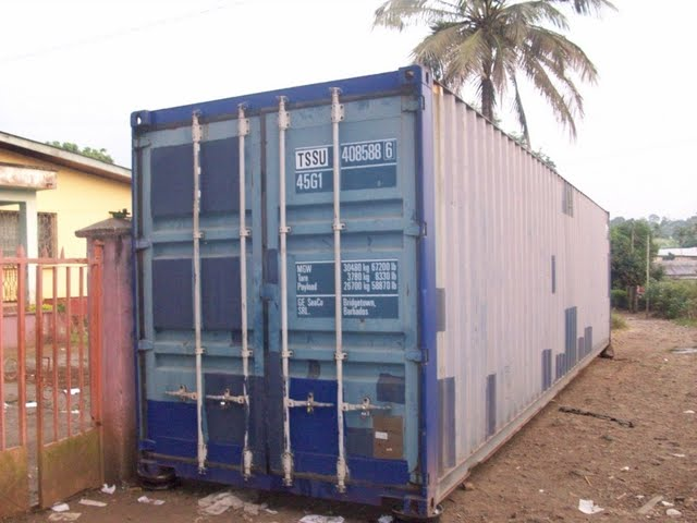 Container Arrival & Offloading in Buea - 100_9156.JPG