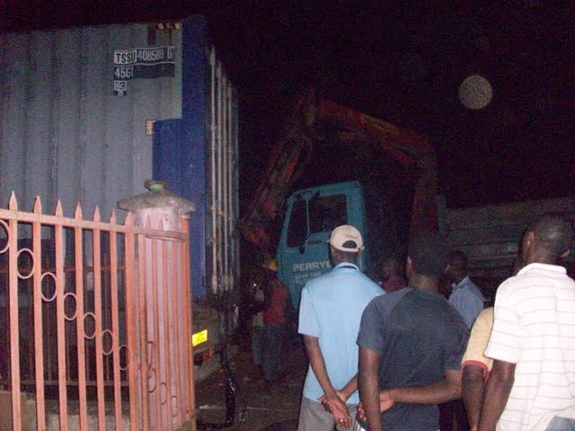 Container Arrival & Offloading in Buea - 100_9127.JPG
