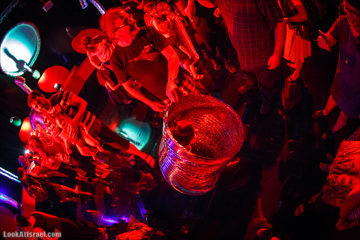 Тубикс - Выставка про жизнь труб   LookAtIsrael.com - Фото путешествия по Израилю