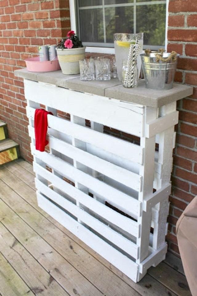 DIY-wood-pallet-bar-3