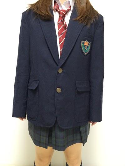 中越高等学校の女子の制服1