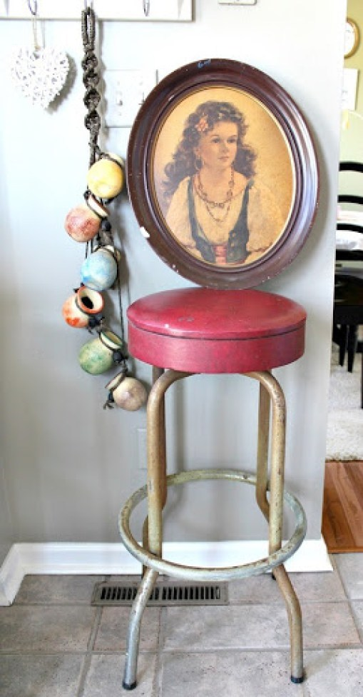 vintage-bar-stool-and-artwork-6