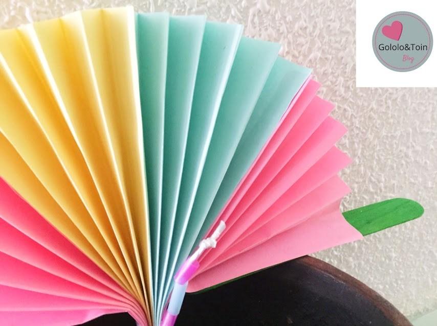 manualidades-diy-niños-verano-faciles-abanico-folios-colores-palos-helado