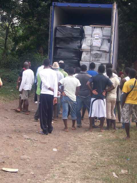 Container Arrival & Offloading in Buea - 100_9062.JPG