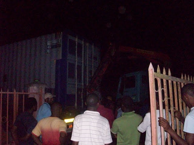 Container Arrival & Offloading in Buea - 100_9128.JPG