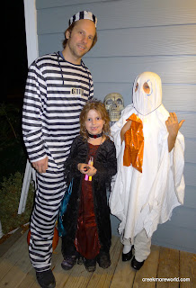 Halloween with Lily (vampiress) and her friend Mira.