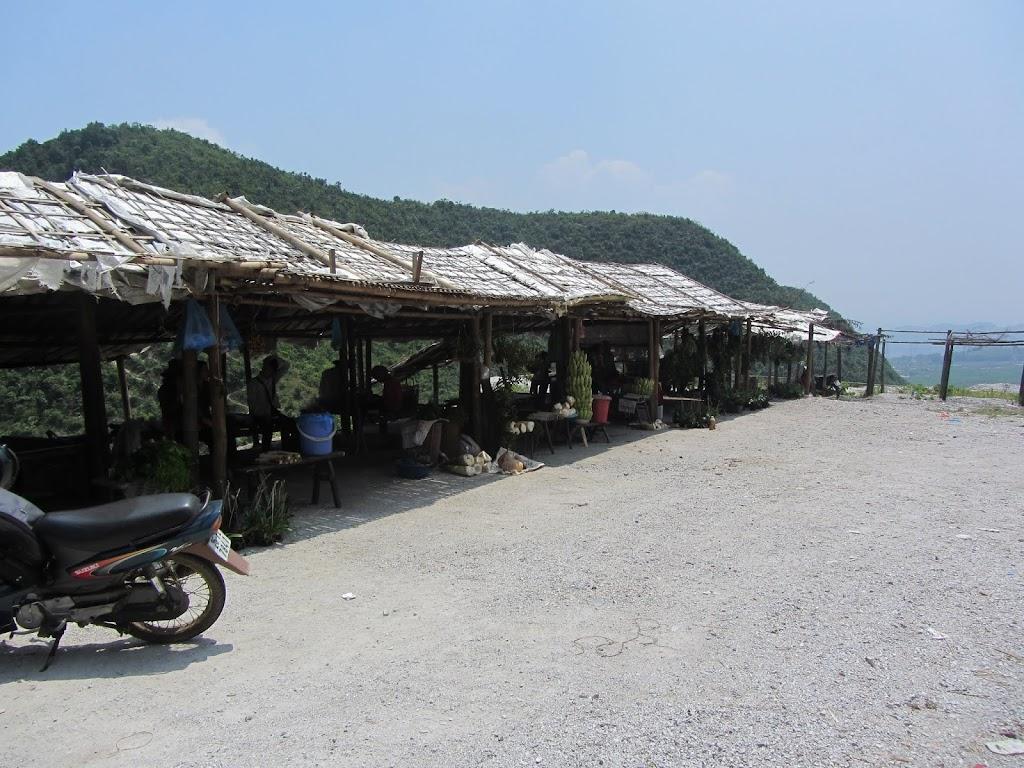 0070The_Road_to_Mai_Chau