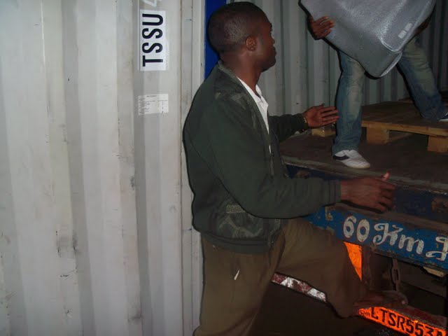 2nd Container Offloading - jan9%2B148.JPG