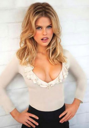 Alice Eve Hair Color