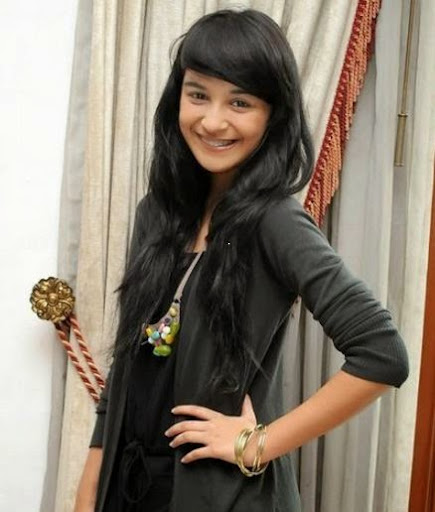 Shireen Sungkar Photos
