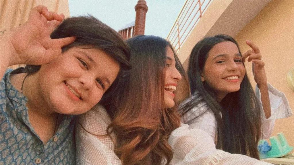 DJ aka Sami Khan of Drama Suno Chanda Siblings are also Actors | Check Beautiful Clicks