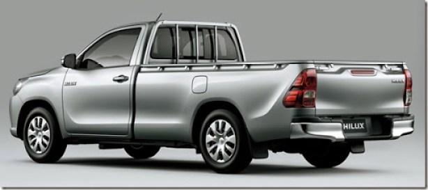 2016-Toyota-Hilux-6