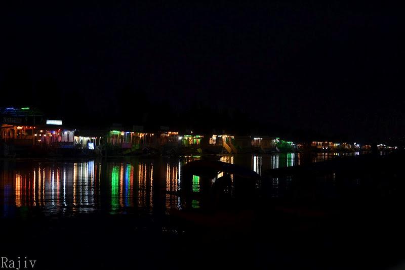 dal lake at night