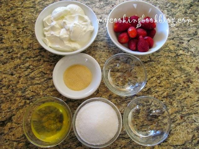 Ягодов мус с цедено кисело мляко и Италиански меренг