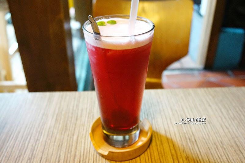 ino cafe-4